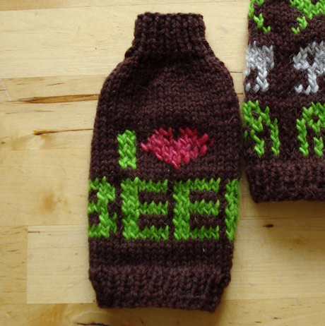 knitted beer cosy
